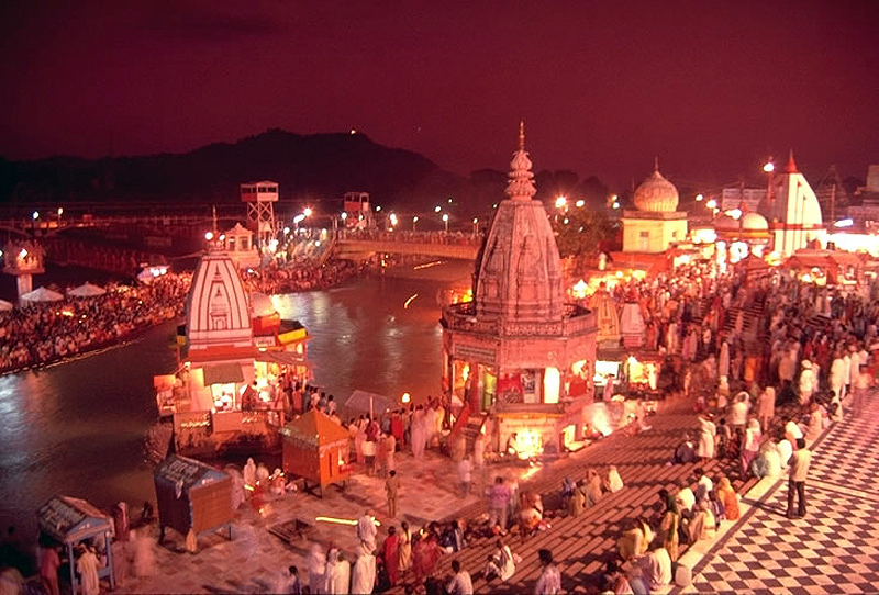 Travel India.Haridwar.Evening Aarti