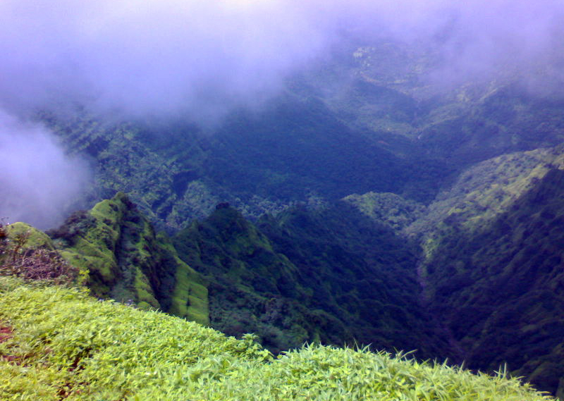 Travel India.Mahabaleshwar.View from Echo Point
